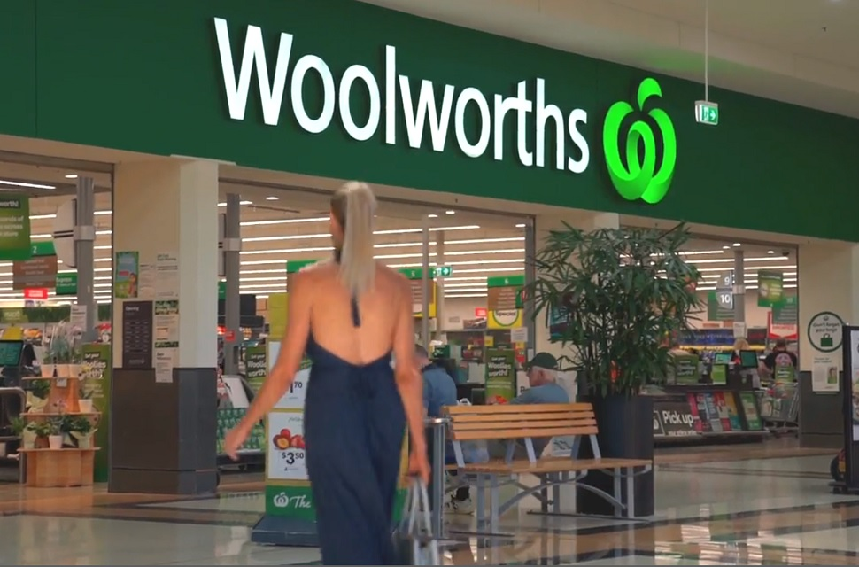 Woolworths limit customer numbers